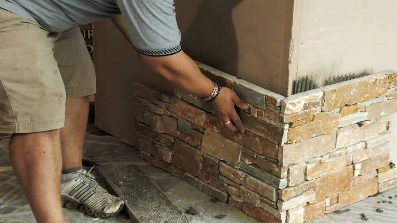 applicare-pannelli-pietra-ricostruita-03