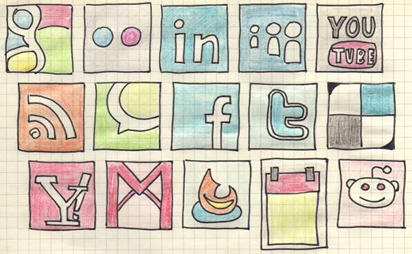 100+ Meravigliosi Set Icone Social Media
