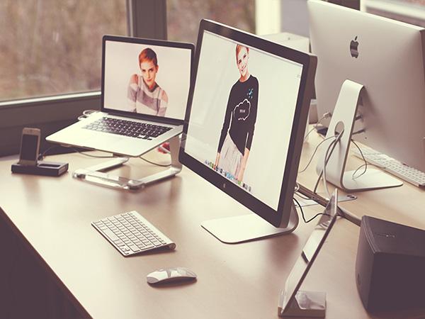 Postazioni di lavoro creative per web e graphic designer