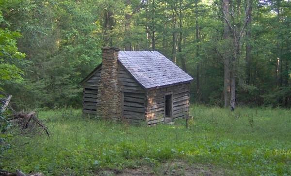 """Piccola casa """"green"""" nella natura"""