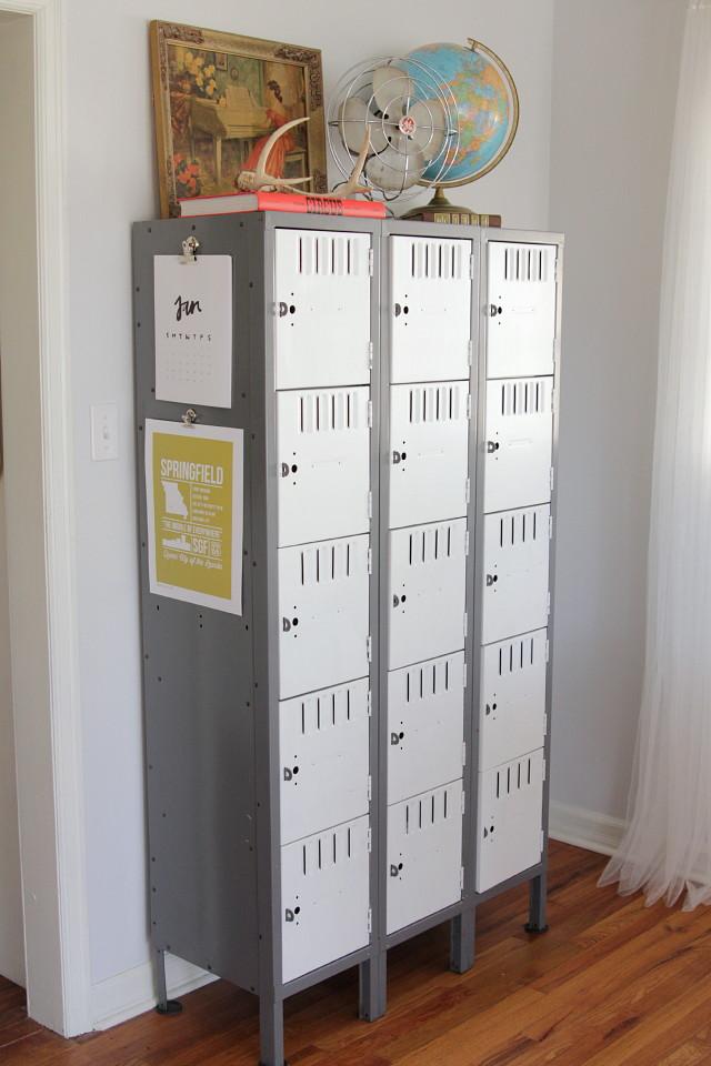 Rimodernare salotto con armadietto porta oggetti