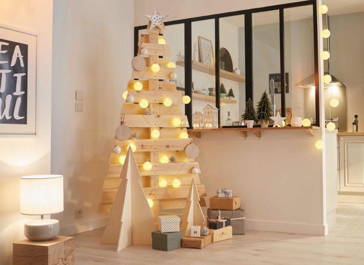 Creare un albero di Natale con il pallet 5