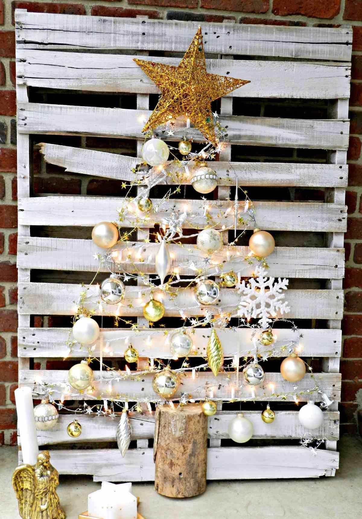 Creare un albero di Natale con il pallet 8