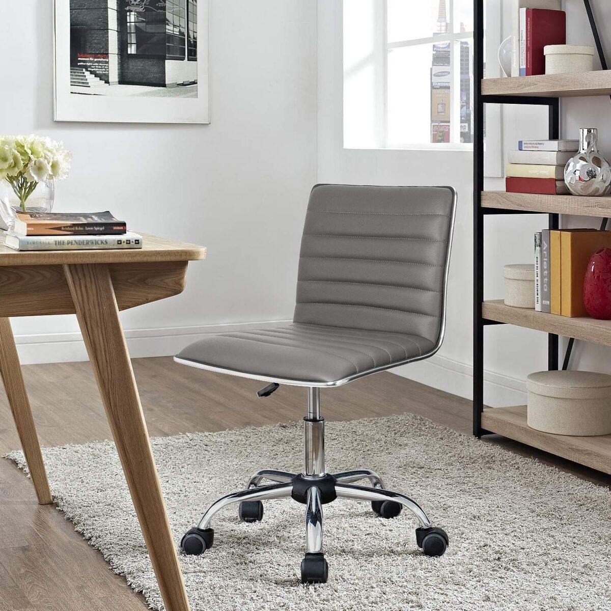 Come pulire le ruote della sedia da scrivania