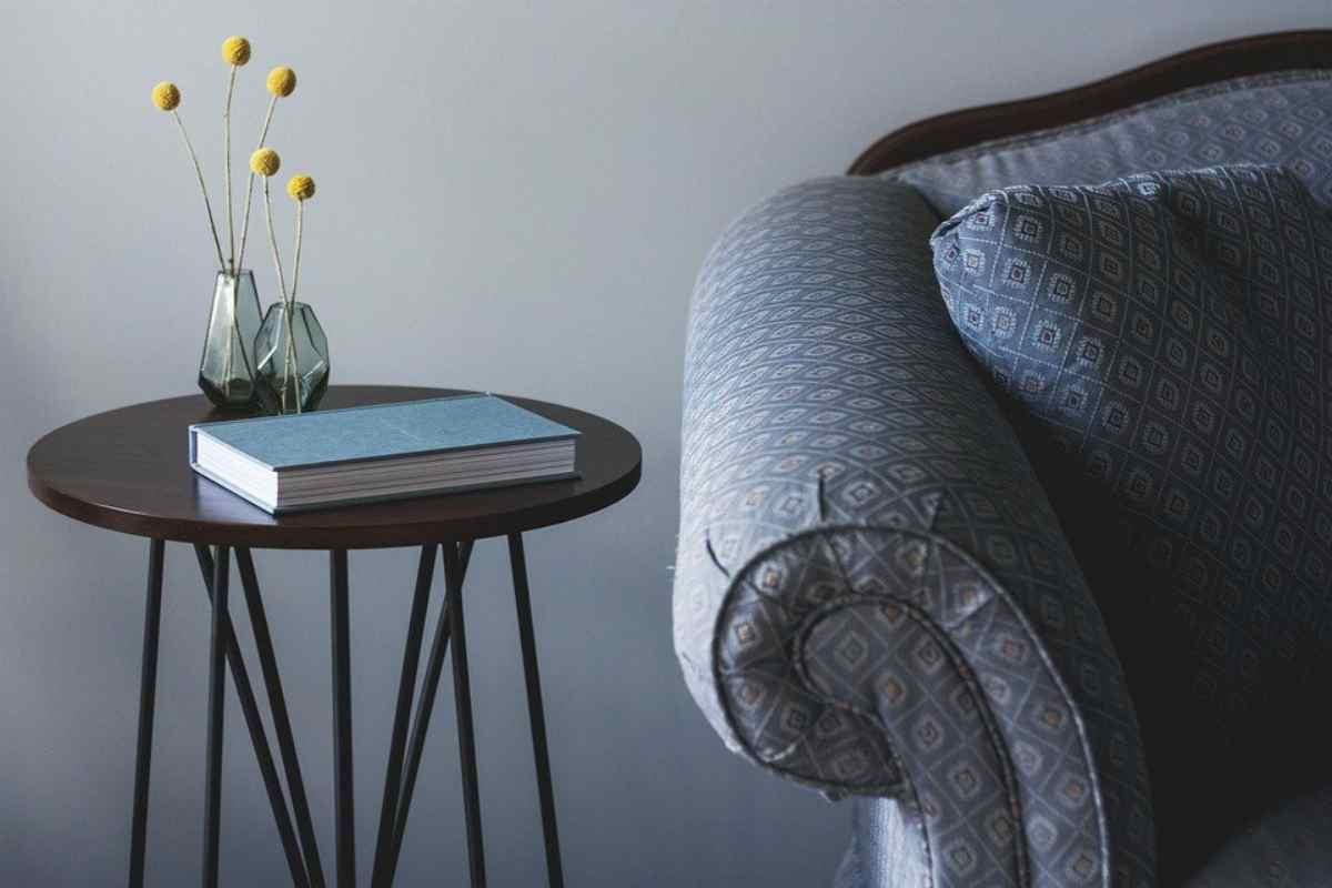 10 idee per abbellire un vecchio divano