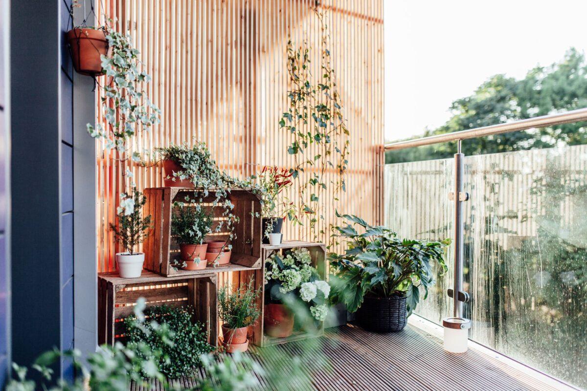 trucchi-geniali-per-arredare-balcone