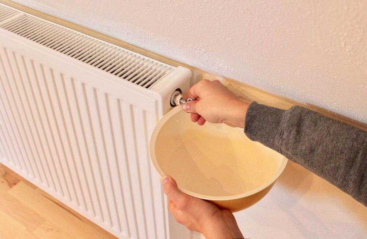 Come eliminare l'aria da un termosifone