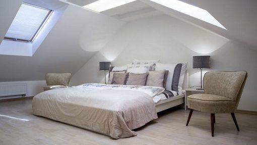 7-idee-per-illuminare-la-camera-da-letto-06
