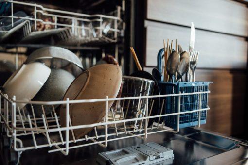 cosa-non-fare-prima-di-usare-la-lavastoviglie-02