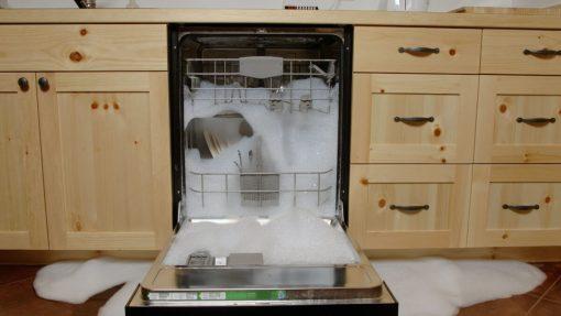 cosa-non-fare-prima-di-usare-la-lavastoviglie-05