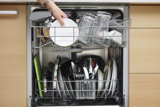 cosa-non-fare-prima-di-usare-la-lavastoviglie-10