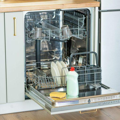 cosa-non-fare-prima-di-usare-la-lavastoviglie-14