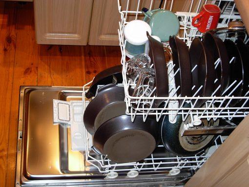 cosa-non-fare-prima-di.usare-la-lavastoviglie-01