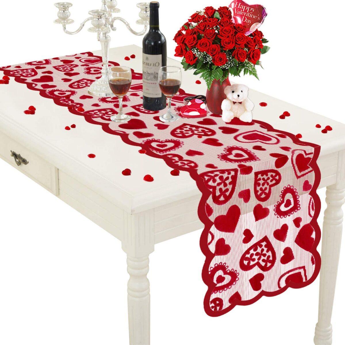 10-idee-per-rendere-unica-la-tavola-di-san-valentino 1