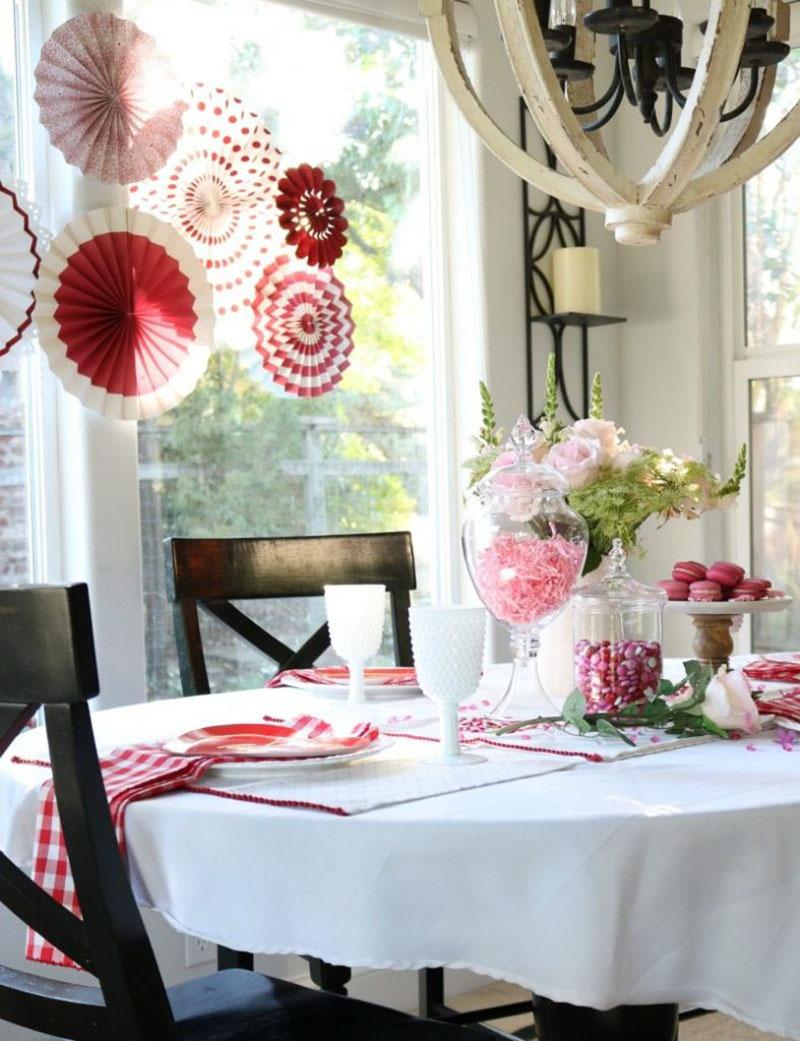 10-idee-per-rendere-unica-la-tavola-di-san-valentino 4