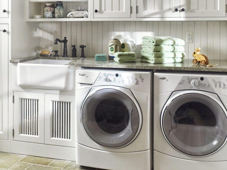 come-arredare-bagno-rettangolare-doccia-lavatrice-01