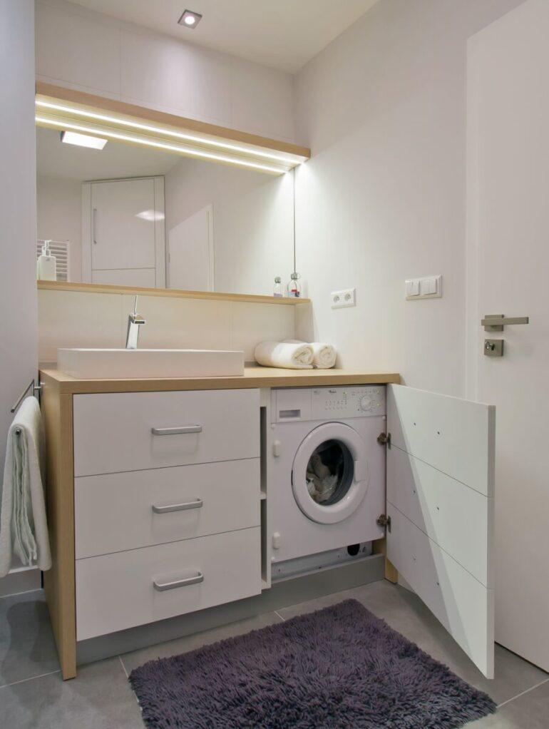 come-arredare-bagno-rettangolare-doccia-lavatrice-05