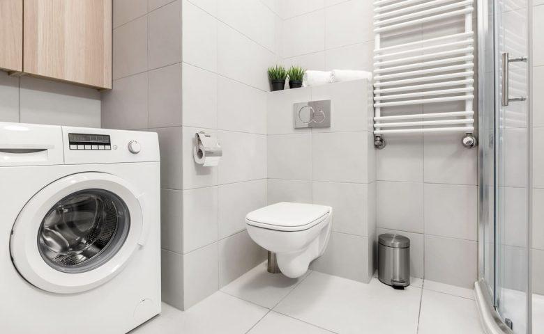 come-arredare-bagno-stretto-lungo-lavatrice-01