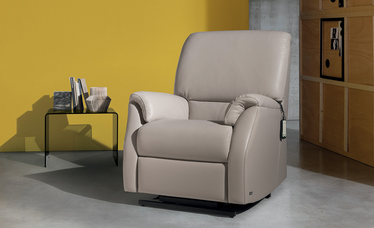 divani-divani-2021-poltrona-lift-tiziano