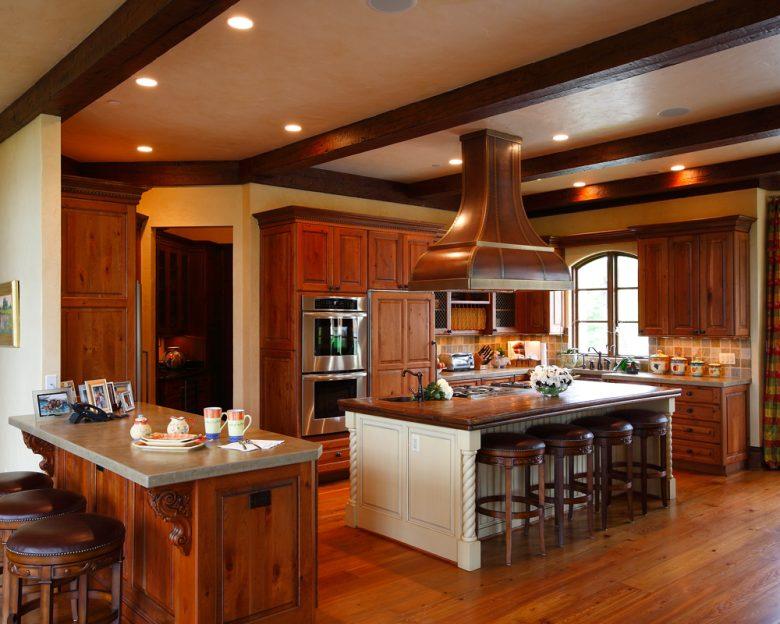 10-idee-e-foto-di-cucina-in-stile-classico-03