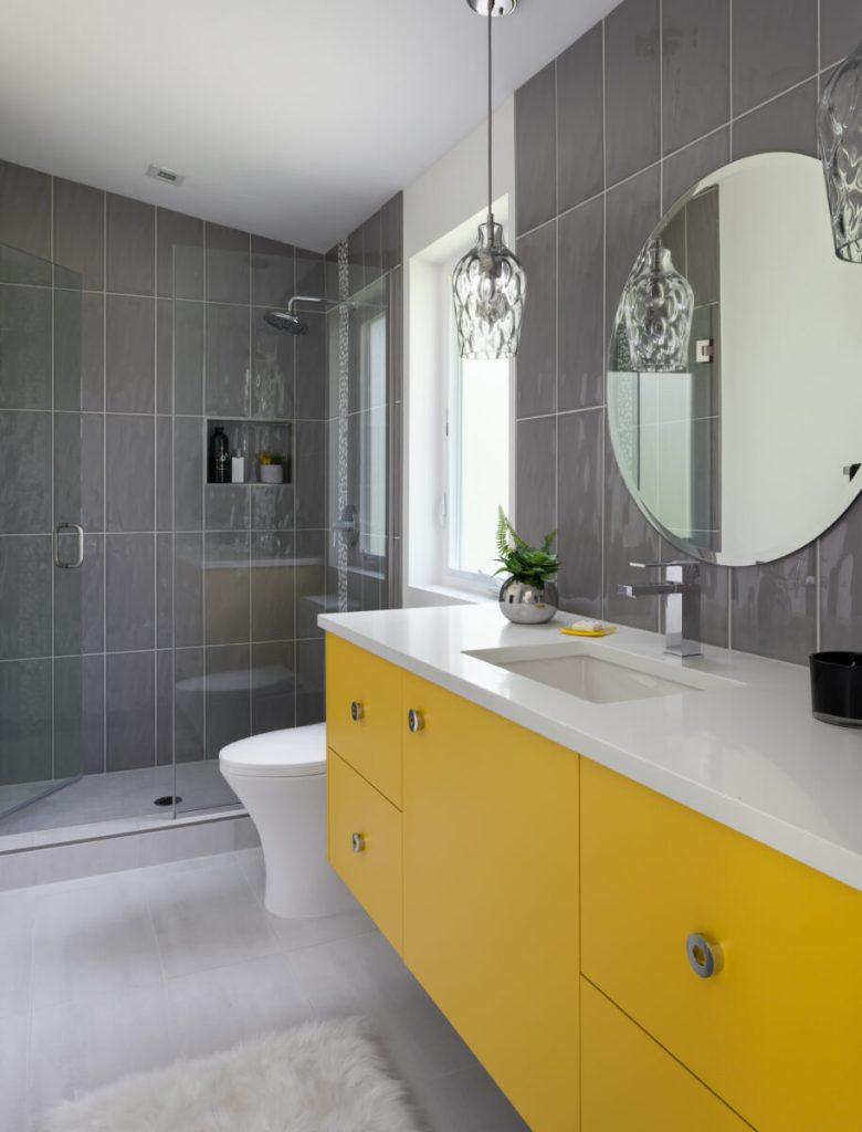 10-idee-e-foto-di-giallo-in-bagno-05