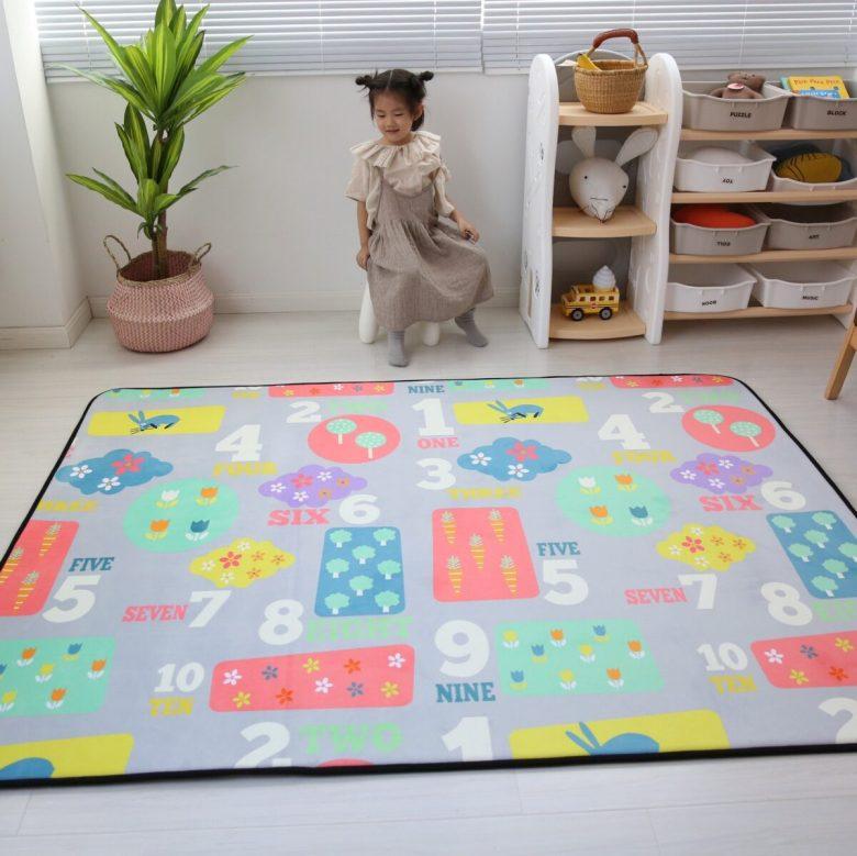 10-idee-e-foto-di-tappeti-per-la-cameretta-02