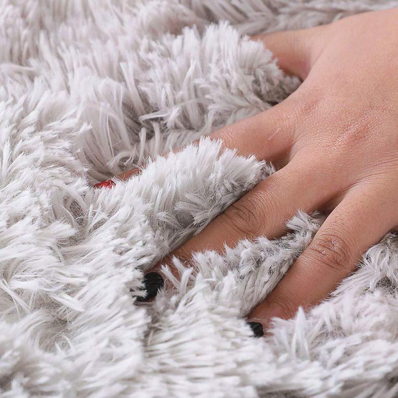 10-idee-e-foto-di-tappeti-per-la-cameretta-03