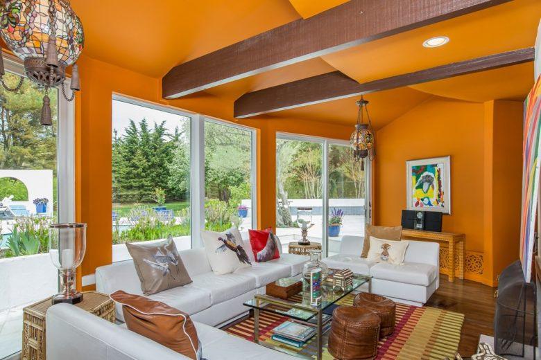20-idee-e-foto-di-un-soggiorno-in-arancione-04