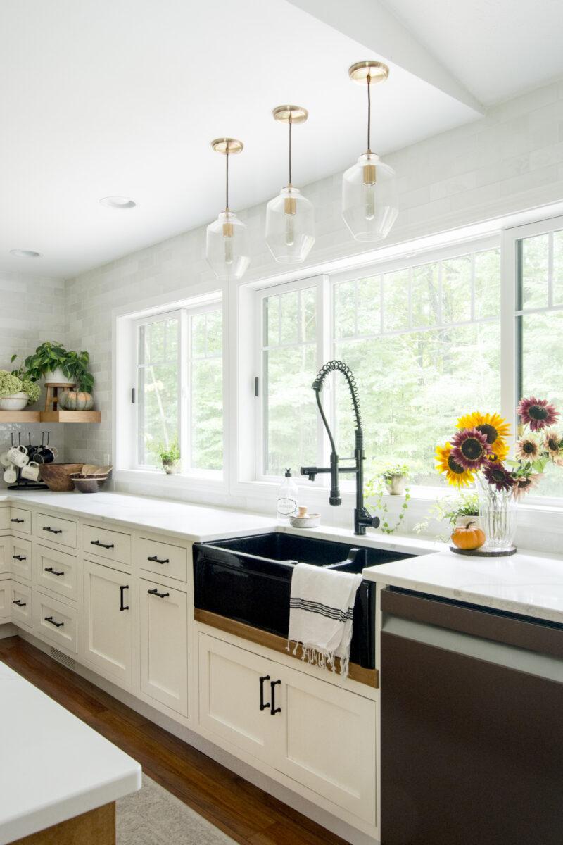 cucina bianca lavandino