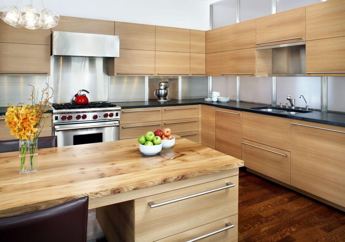 Pulire la cucina in legno: consigli pratici a costo zero