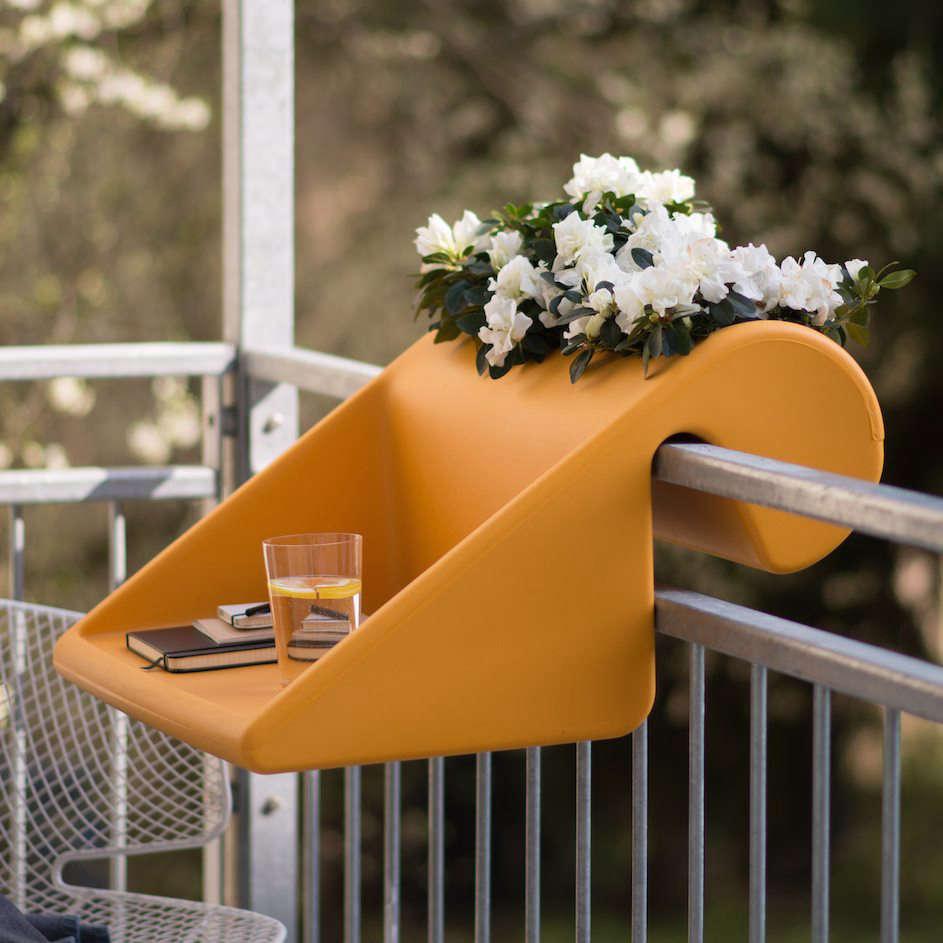10-idee-e-foto-di-tavoli-per-balcone-12