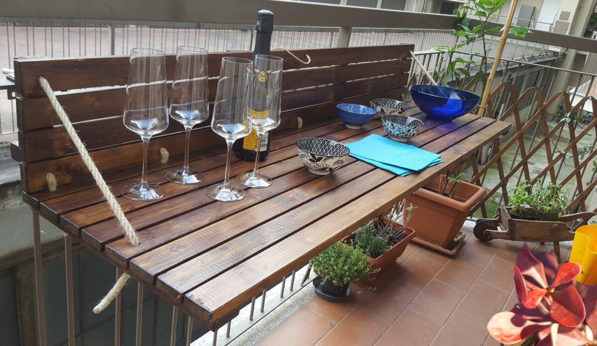 10-idee-e-foto-di-tavoli-per-balcone-13