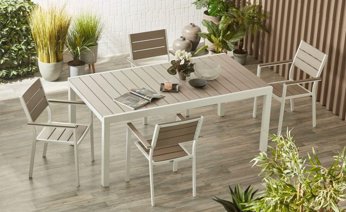 10-idee-e-foto-di-tavoli-per-balcone-14