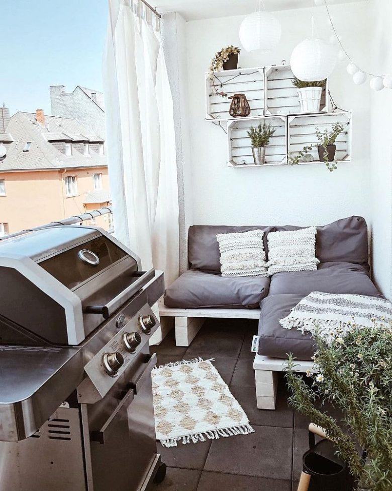 10-idee-e-foto-per-abbellire-il-balcone-in-estate-11