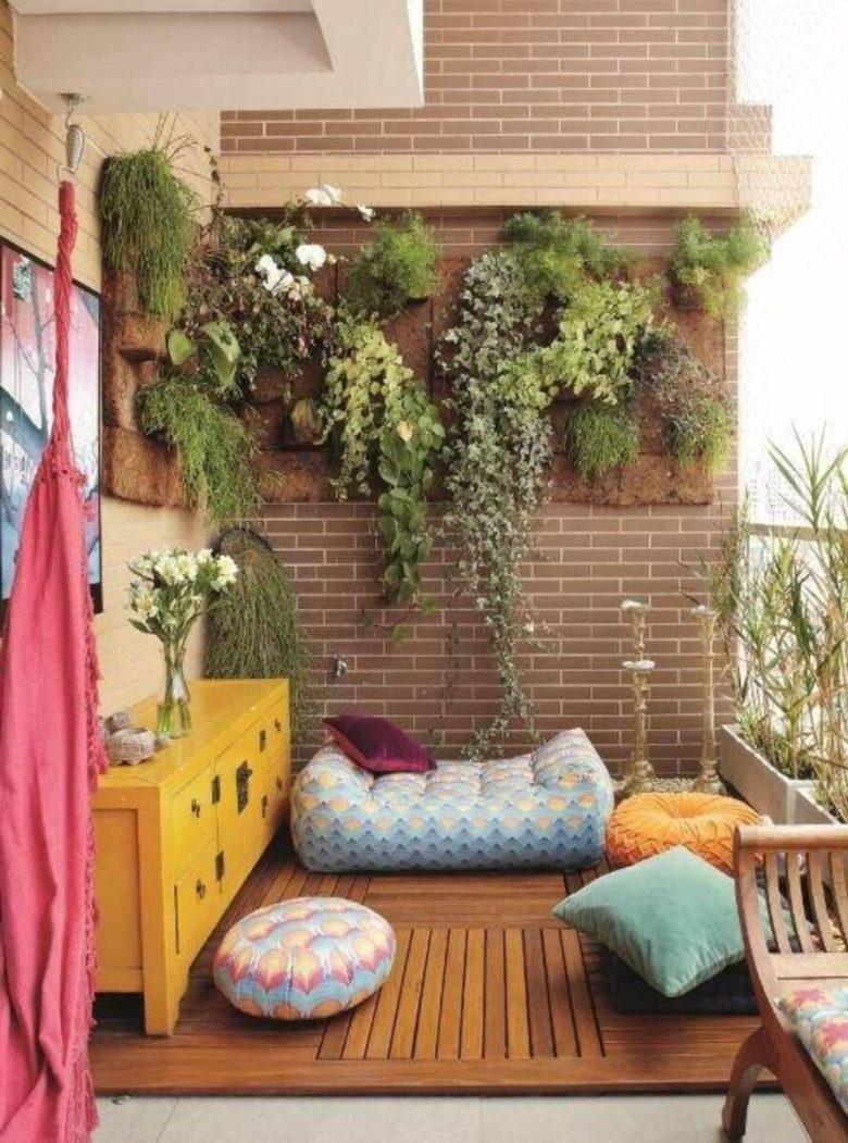 10-idee-e-foto-per-abbellire-il-balcone-in-estate-12