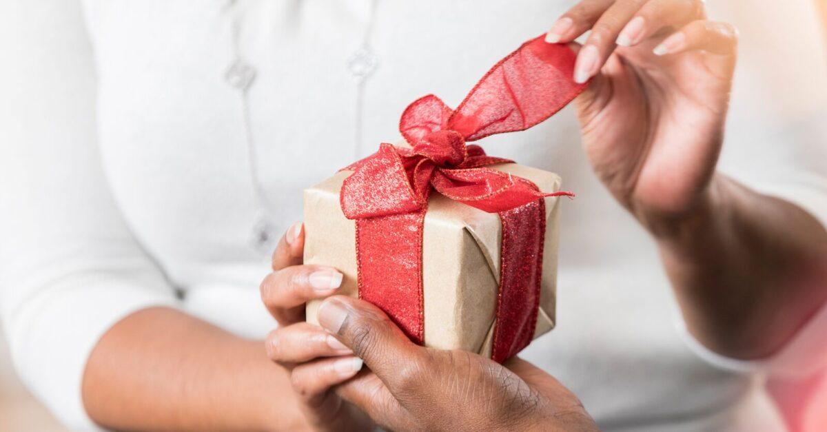 10 idee e foto per creare un pacchetto regalo