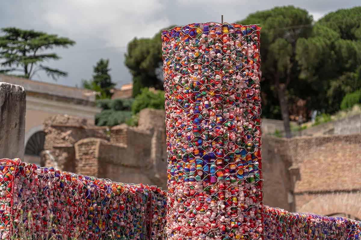 10 idee e foto per riciclare i tappi di plastica 4