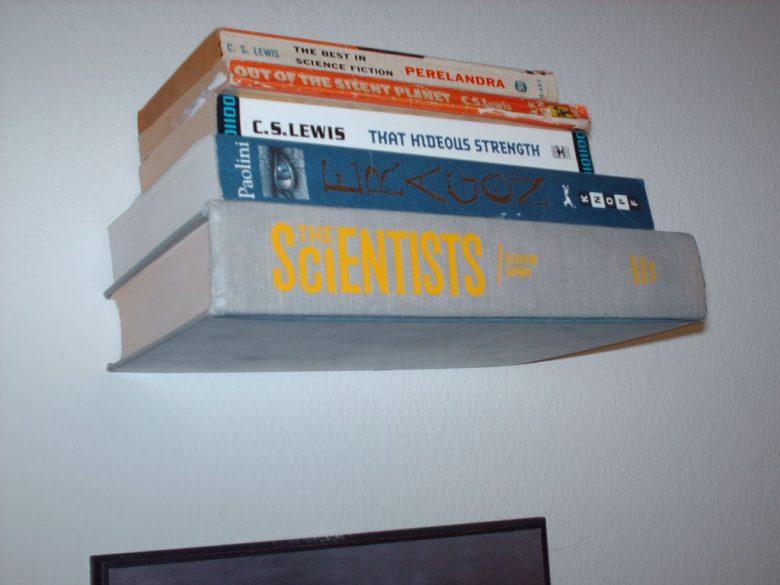10-idee-e-foto-per-riciclare-un-vecchio-libro-06