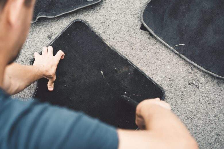 Exhaustively cleaning car mats