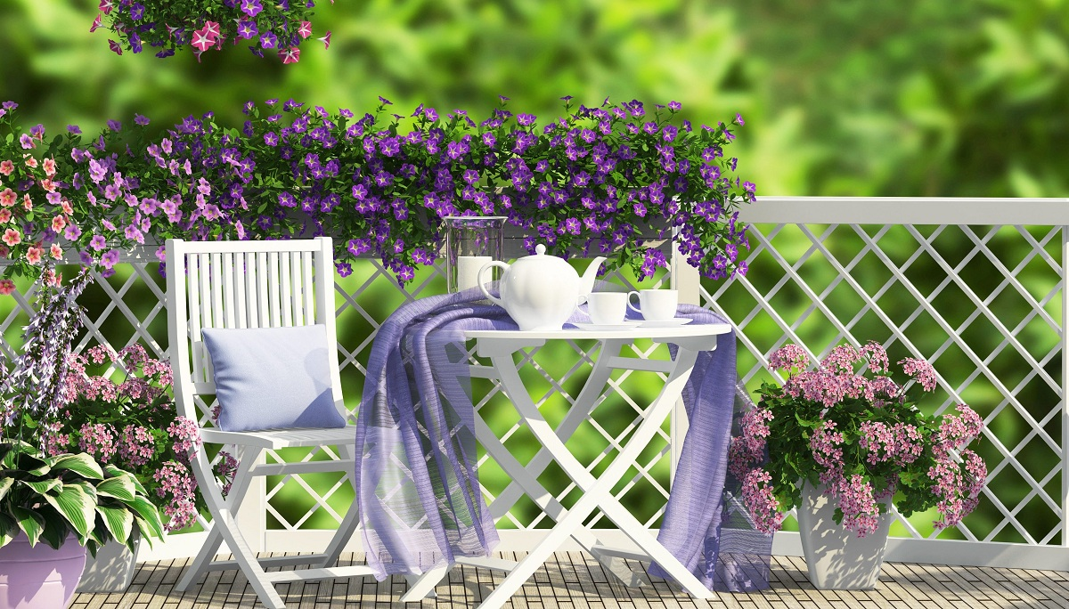 10 idee e foto di fiori per abbellire il balcone