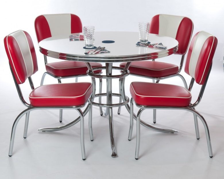 10-idee-e-foto-di-sedie-per-la-cucina-in-stile-vintage-11