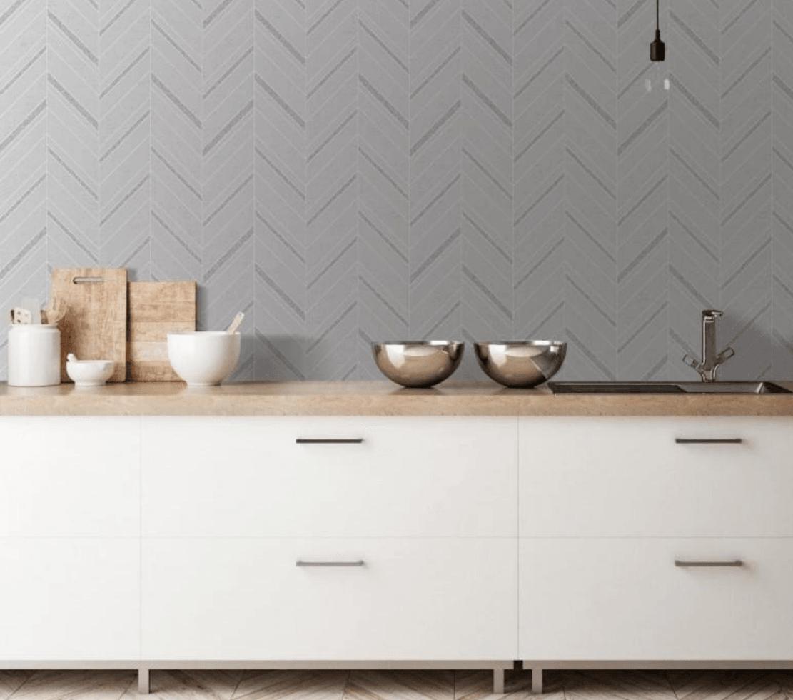 Cucina pareti color argento