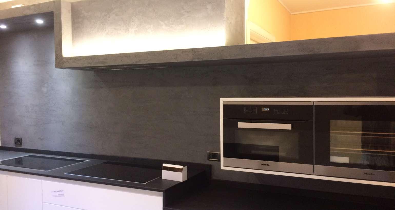 parete-cucina-argento-lavabile