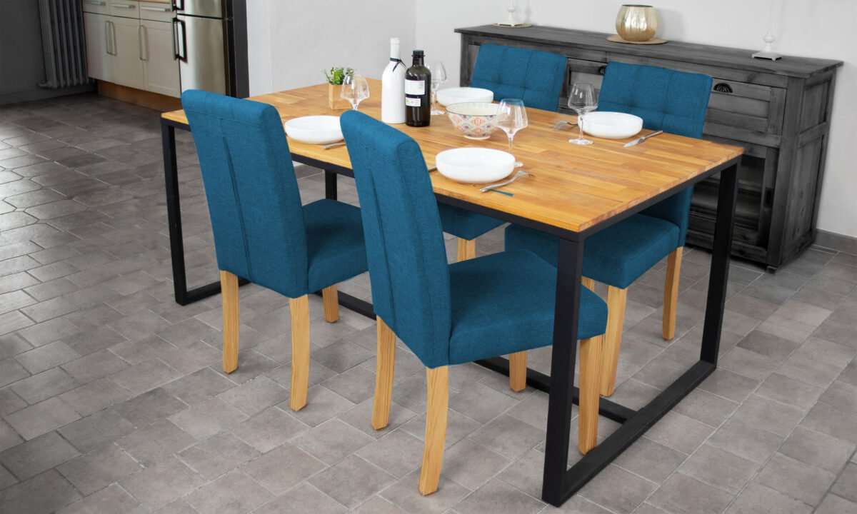 sedie-color-blu-per-la-cucina-rivestite