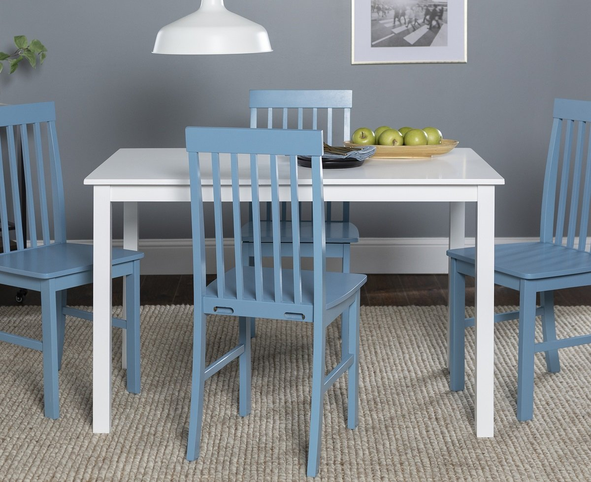sedie-color-blu-per-la-cucina-in legno