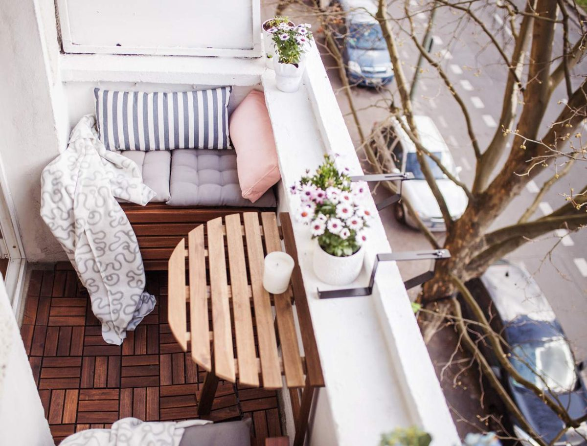 Abbellire il balcone piccolo: 10 idee e foto