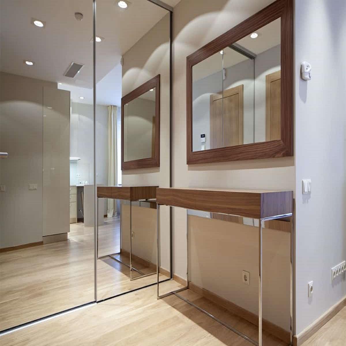 Ingrandire casa con gli specchi: 10 idee e foto