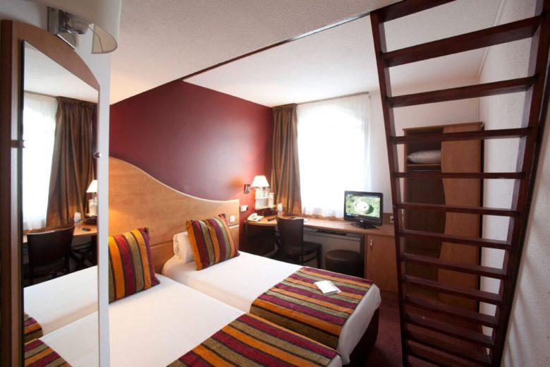 pareti-camera-letto-bordeaux-10