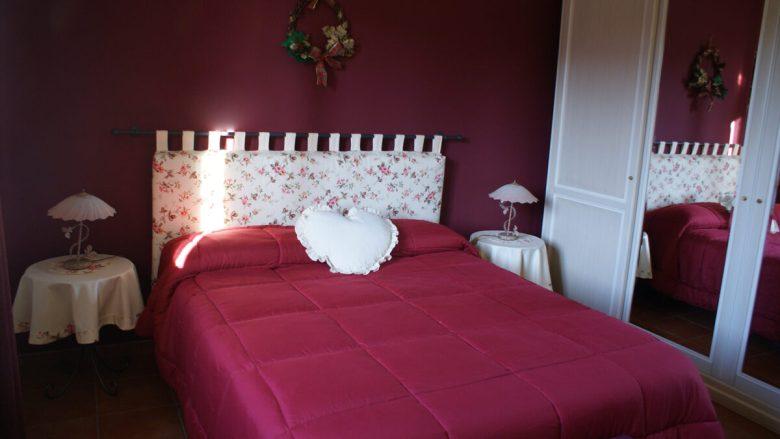 pareti-camera-letto-bordeaux-8