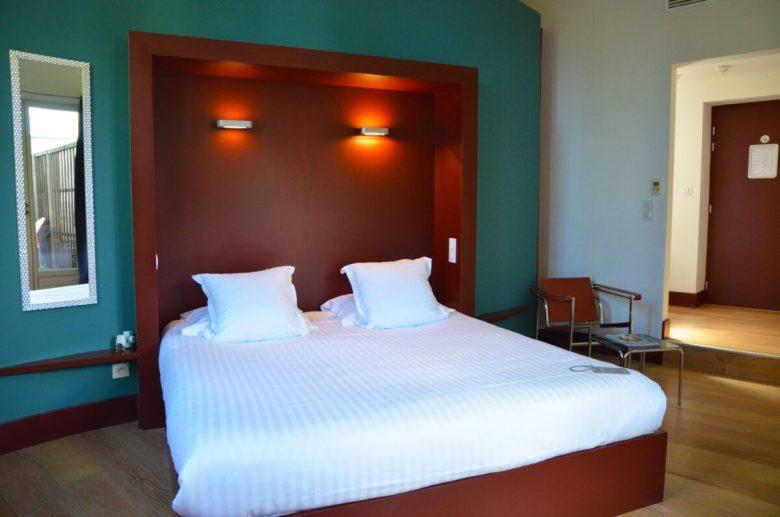 pareti-camera-letto-bordeaux-9